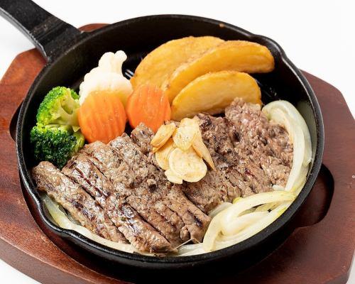 あずまママのできたてキッチン 宮崎牛の鉄板ステーキ