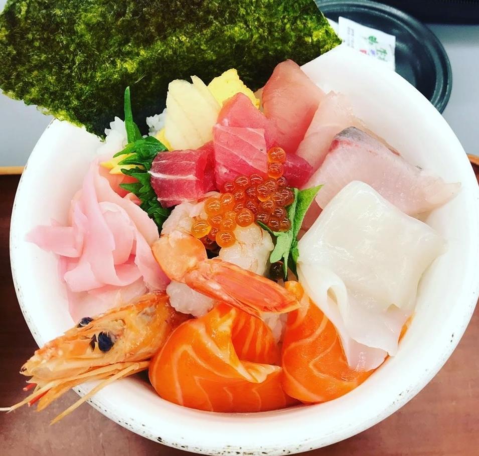 まぐろパーク メガ盛り海鮮丼